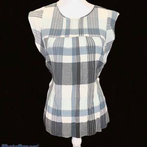 EUC - LOFT sleeveless womens top Size M